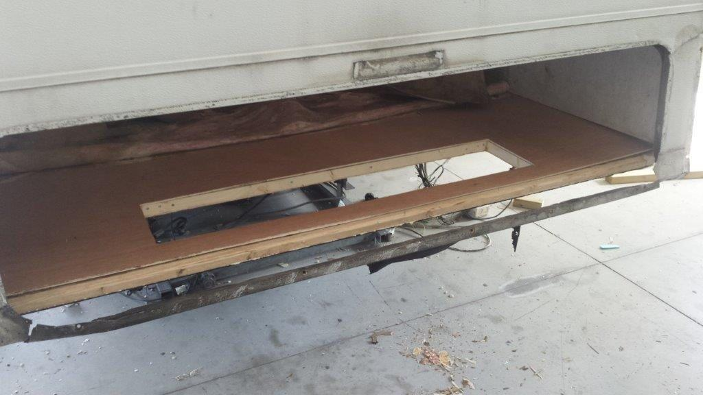 Επιδιόρθωση οροφής και πίσω μέρους αυτοκινούμενου