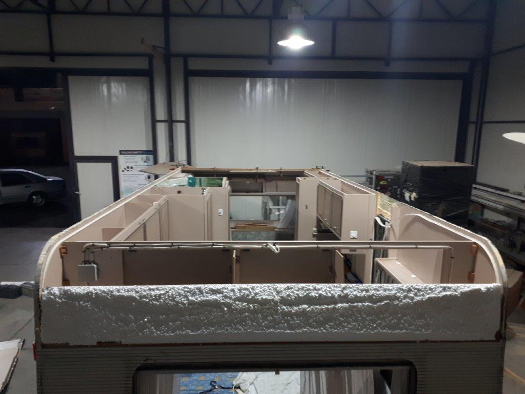 Ανακαίνιση οροφής τροχόσπιτου