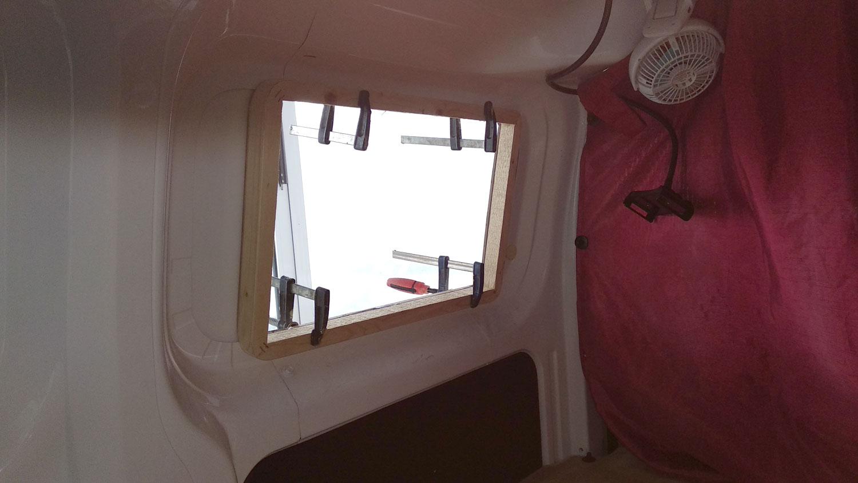 Τοποθέτηση παραθύρων Dometic