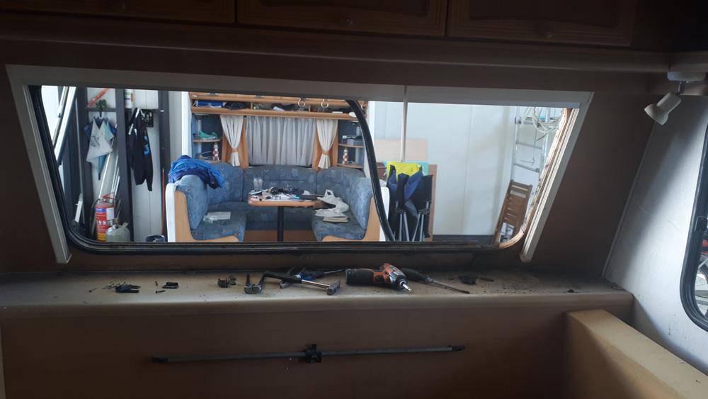 Επισκευή παλιού τροχόσπιτου Adria